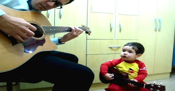 Dad And Toddler Perform Most Adorable Cover Of The Beatles' Song 'Don't Let Me Down'